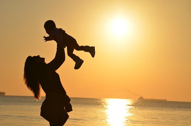 mother-429158_640.jpg