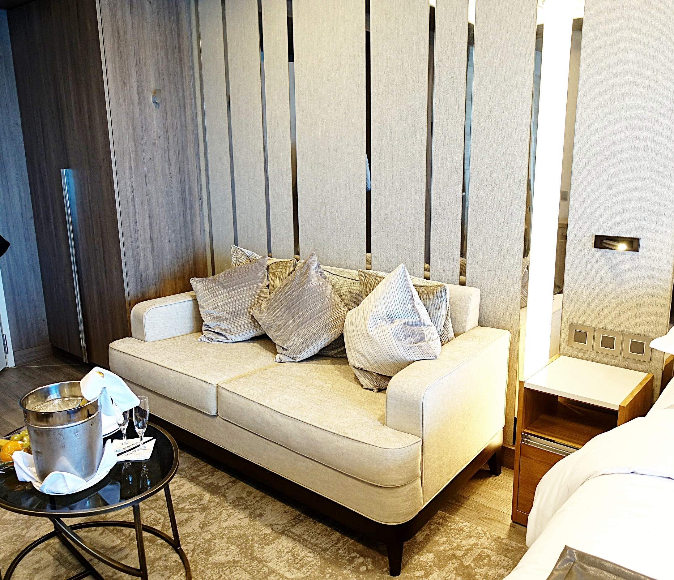 The lounge area in the Spa Suite.