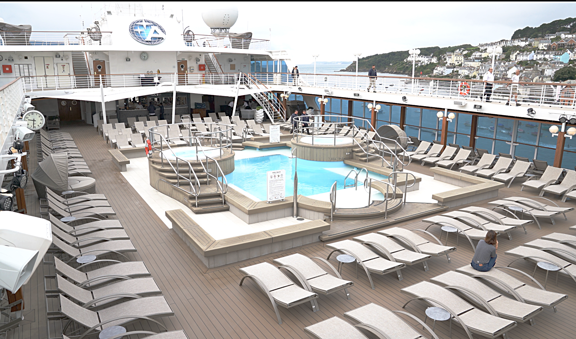The deserted pool area, just how we like it!