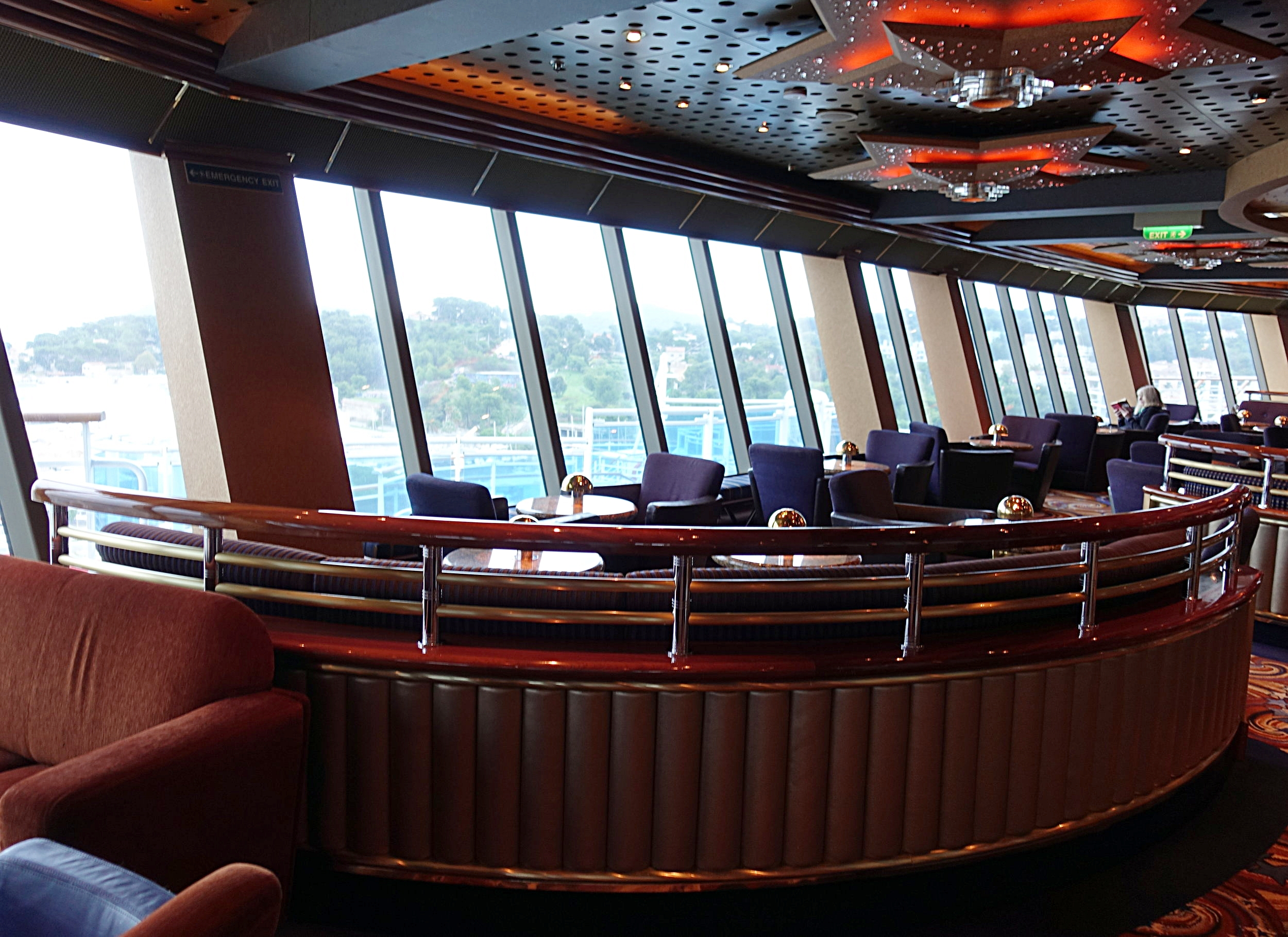 The panoramic aft windows in the Skywalker Lounge.