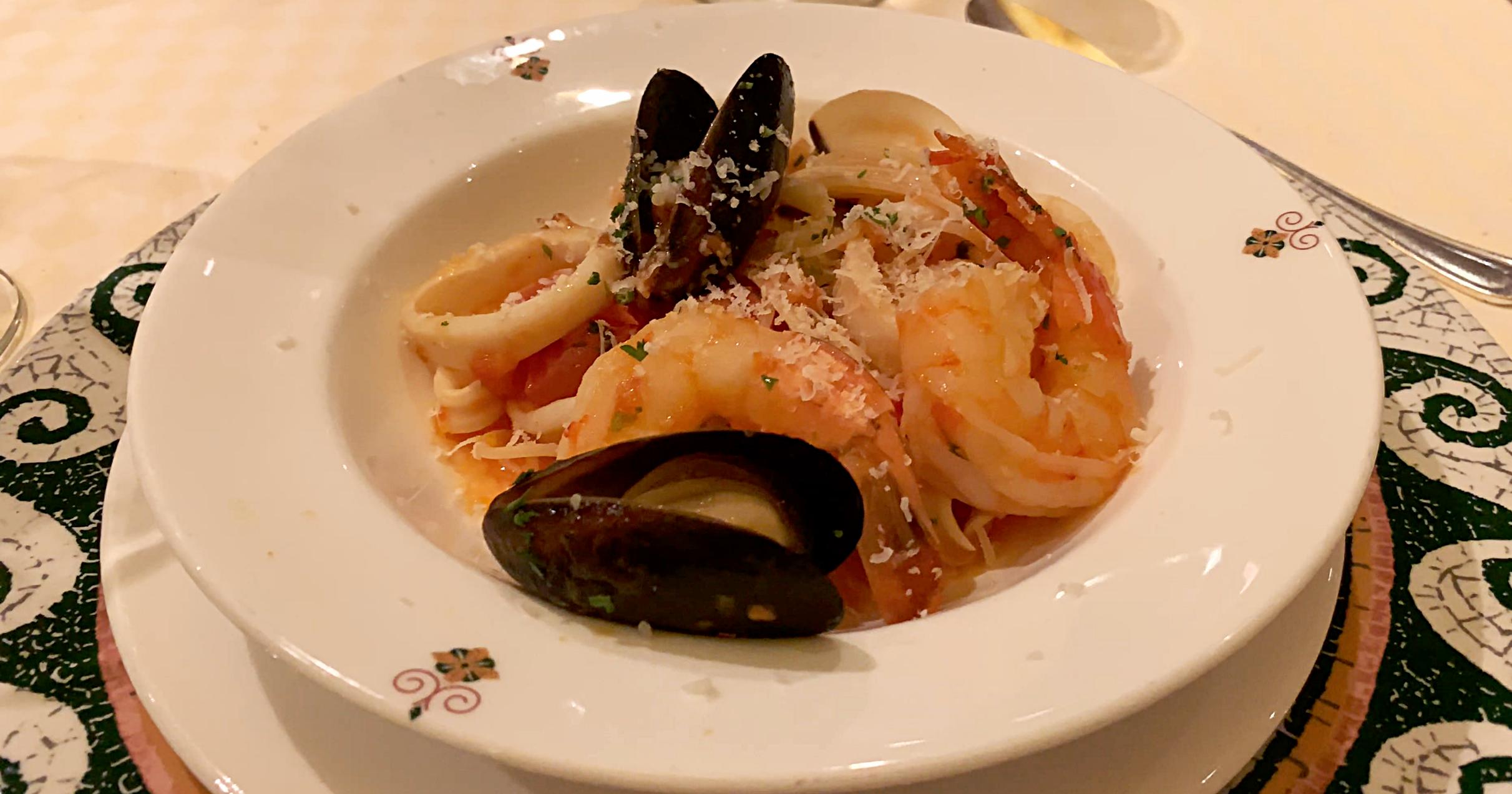 Sabatinis seafood linguine.