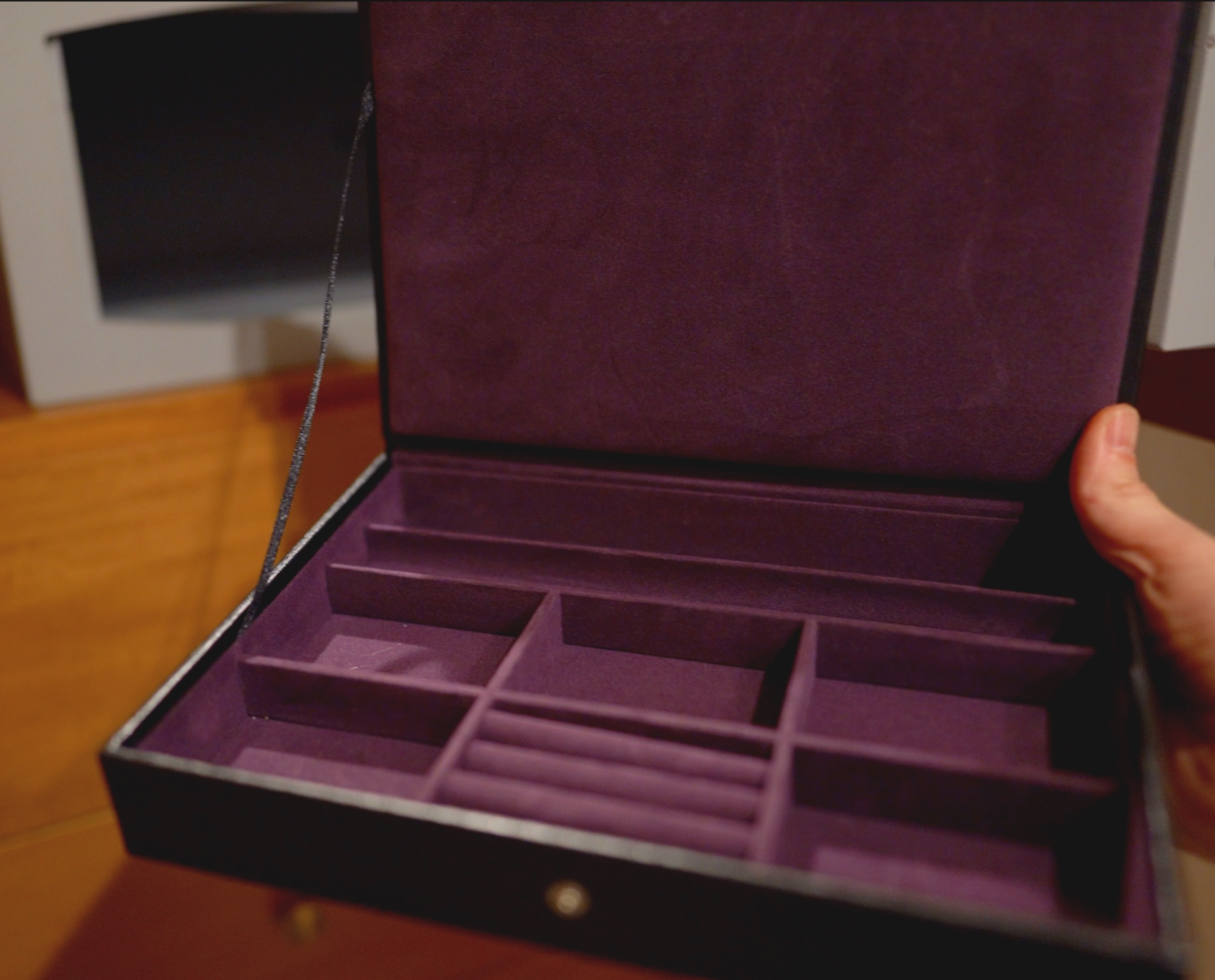 If only I had enough jewellery to fill this box!