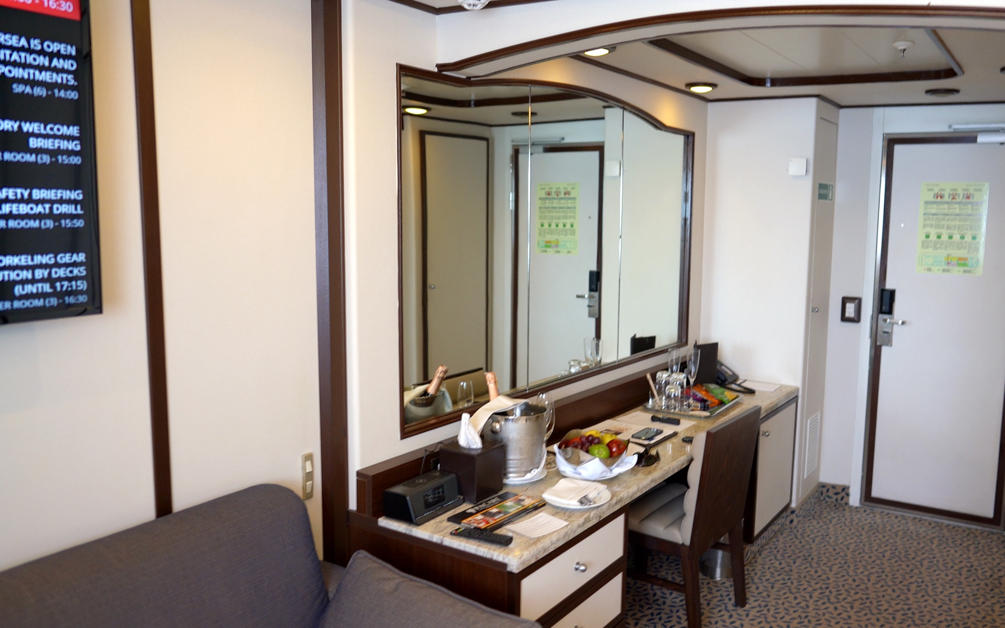 The vanity desk in our suite.