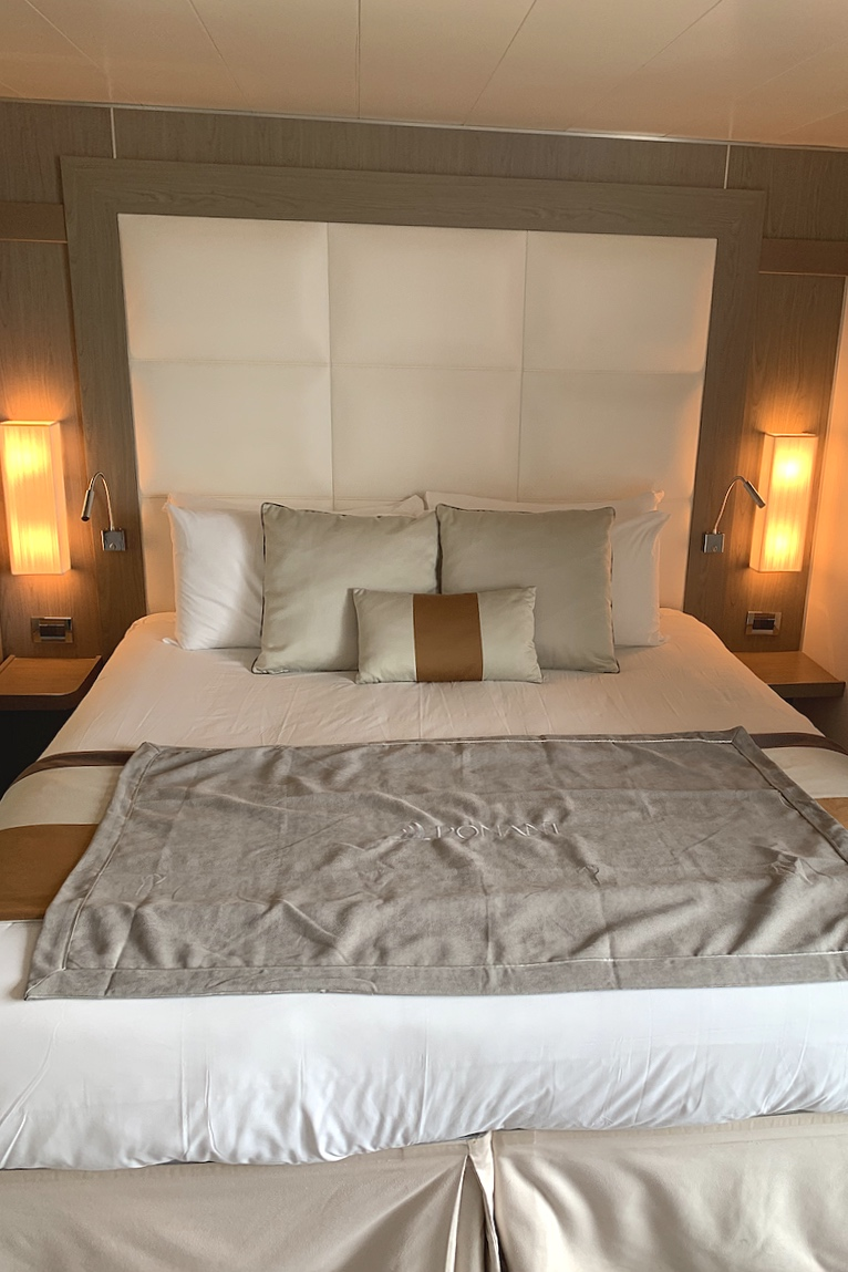 The bed in the larger suites.