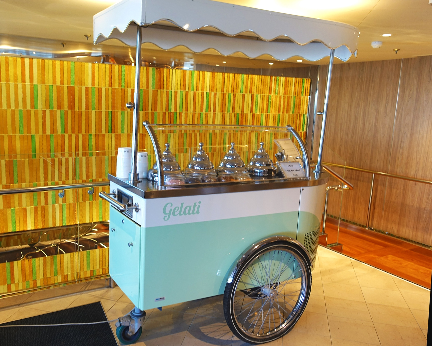 Freshly made gelato cart in the Colonnade.