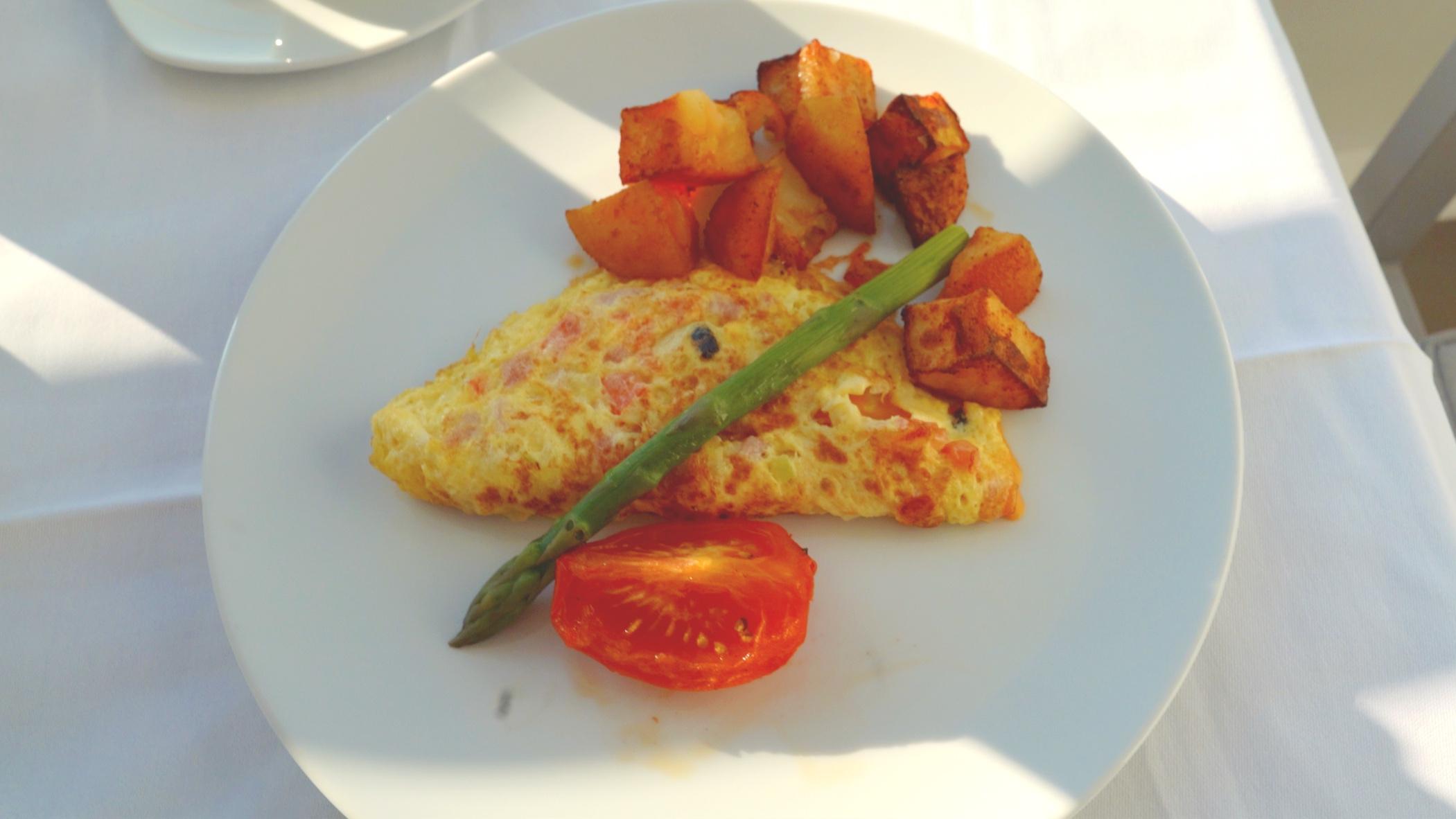 The Azamara breakfast