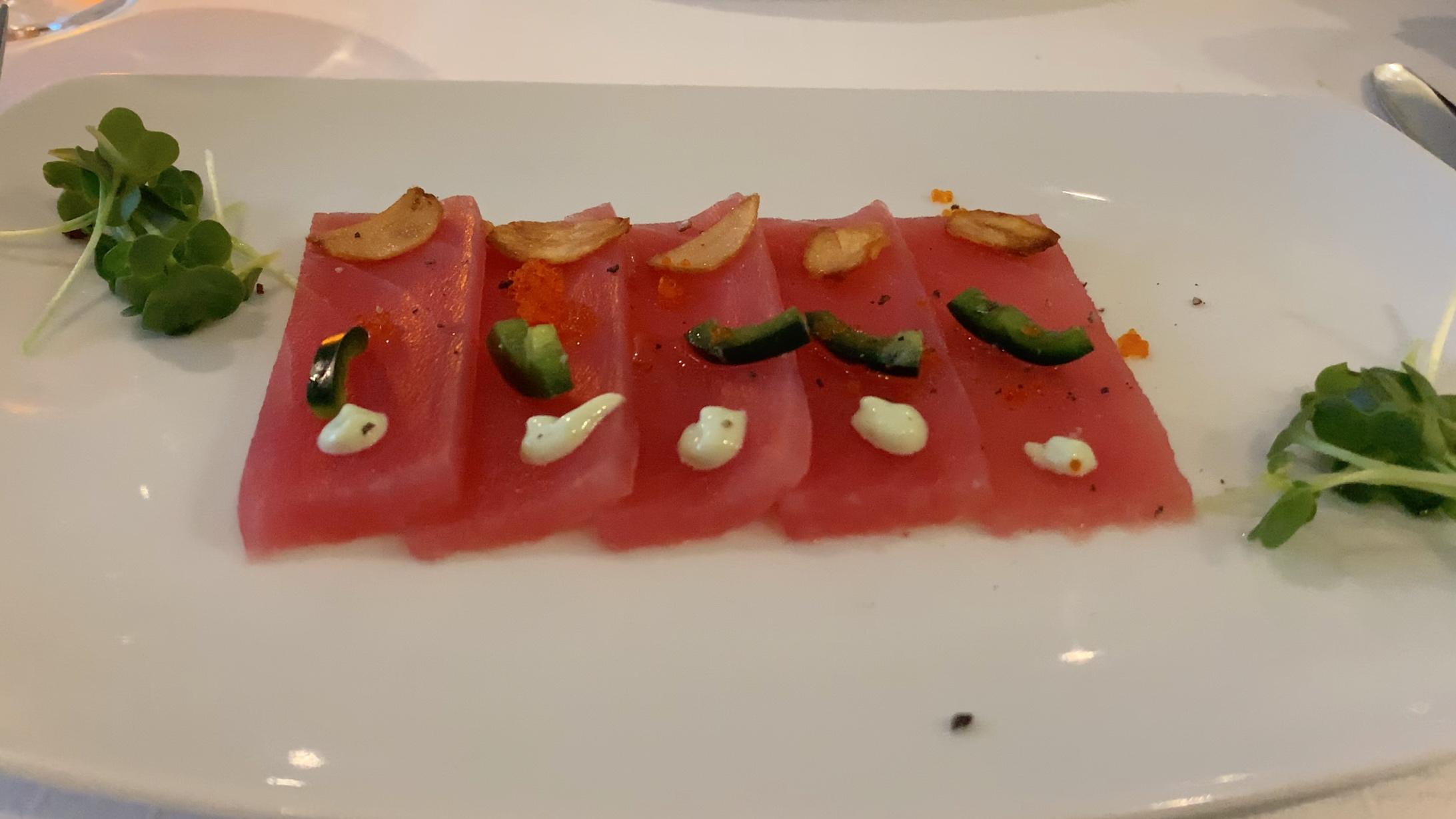 A tuna steak starter