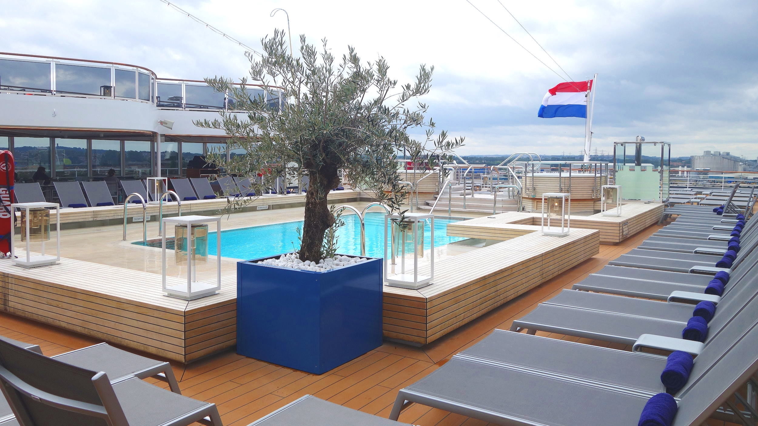 The lovely Seaview pool