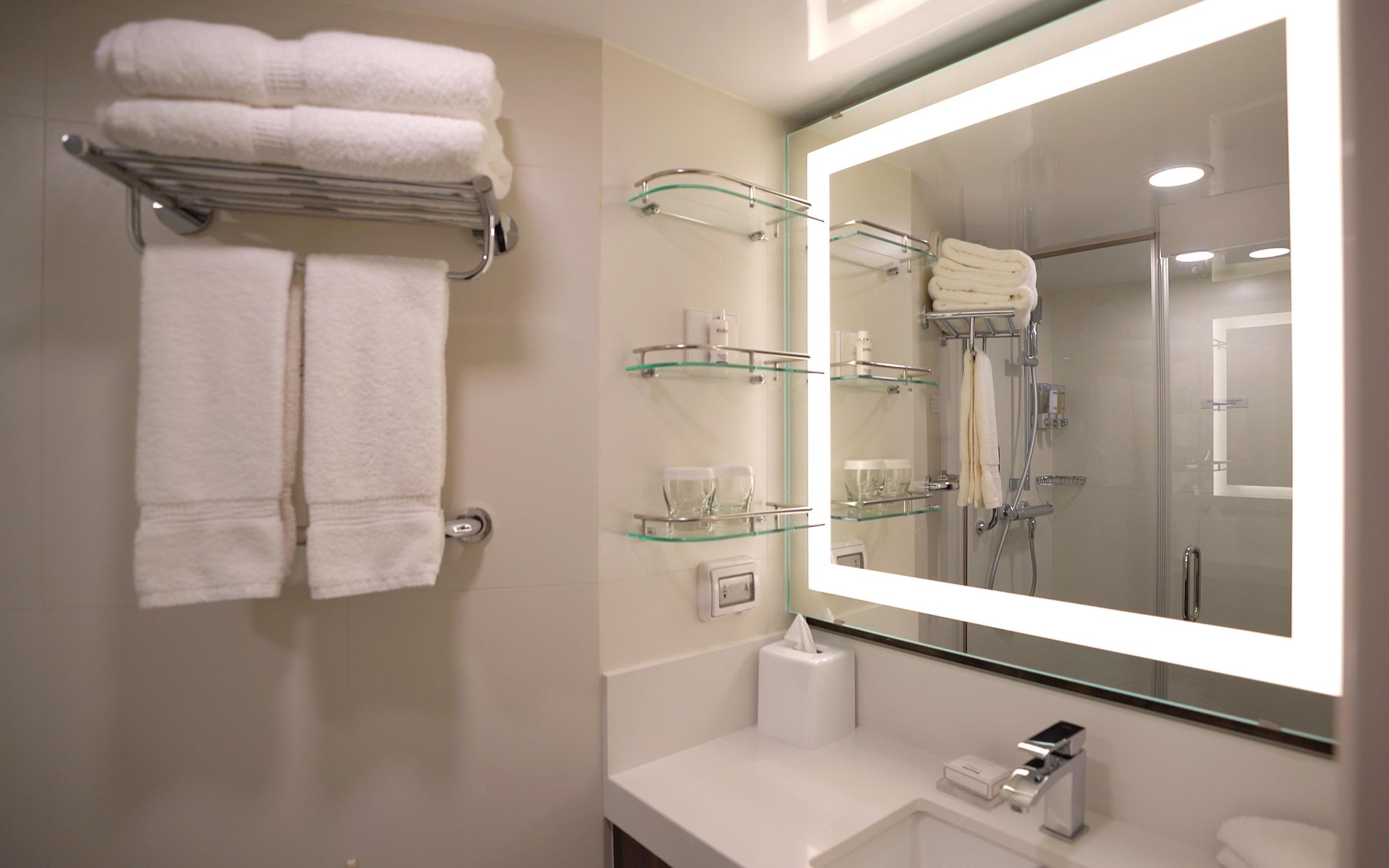 Lovely large, well-lit bathroom