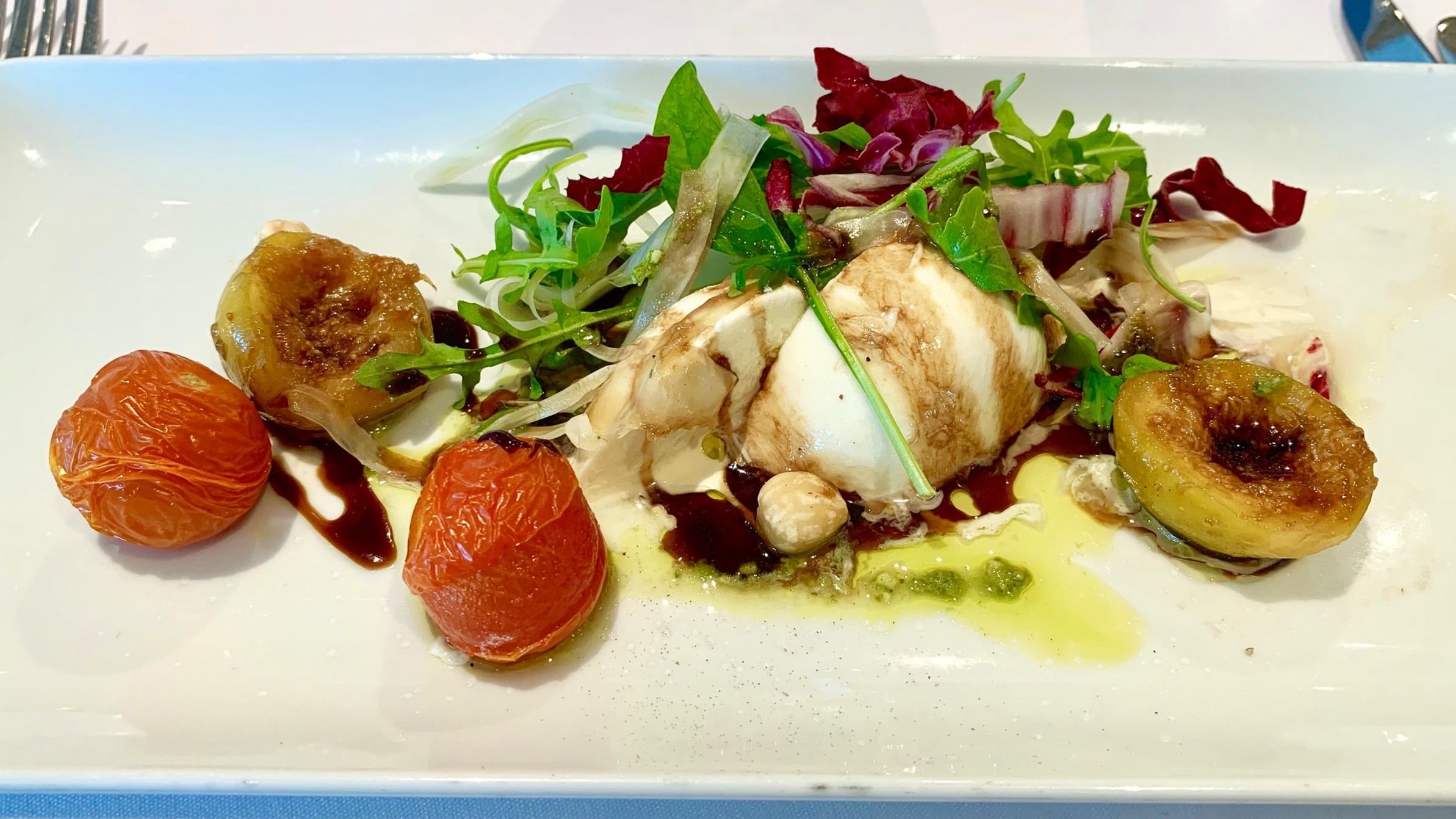 Delicious mozzarella, tomato and fig salad starter
