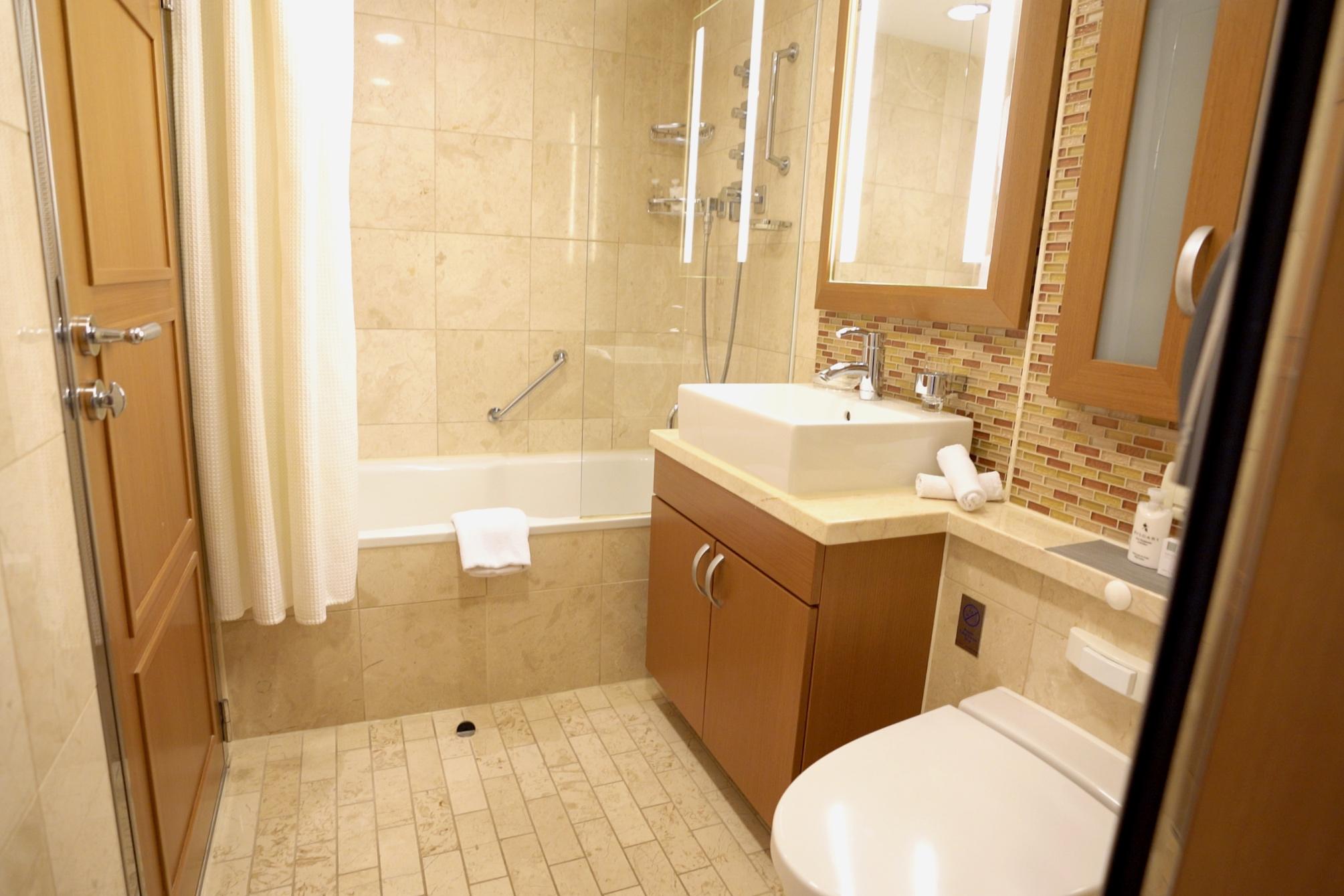 Celebrity suite bathroom