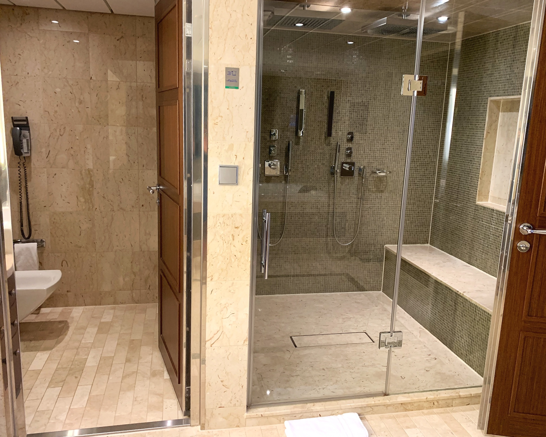 Double shower and separate WC