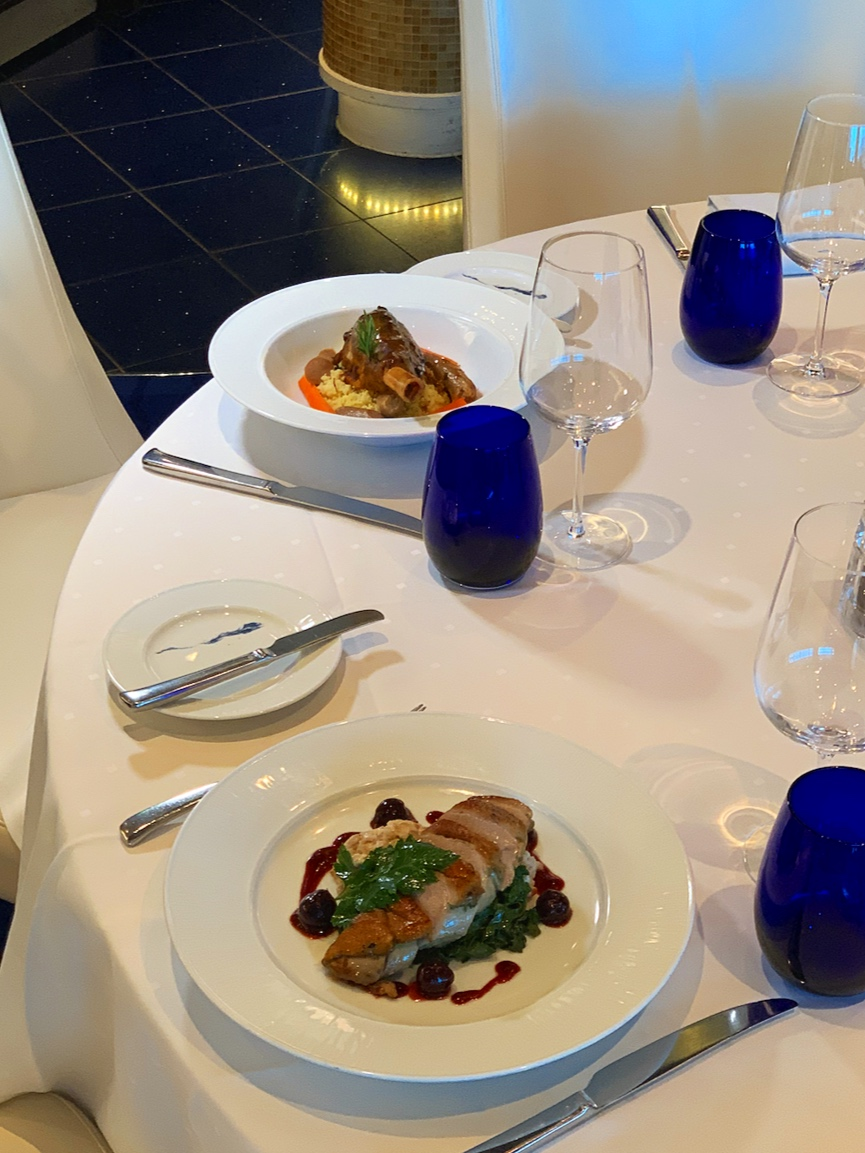 Healthy dinner in Blu