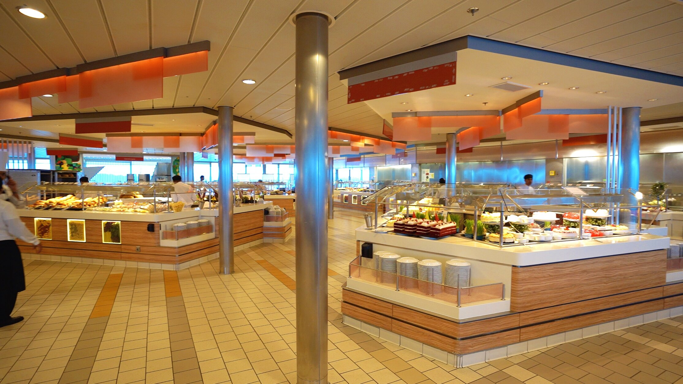The large, airy and spacious Oceanview cafe.