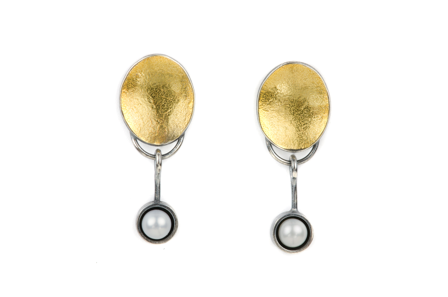 gold_oval_akoya_pearls.jpg
