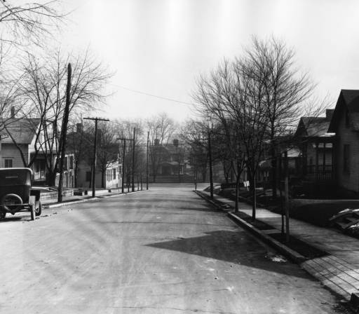 Thompson Place, looking down from Armstrong Ave, early 20th century. Courtesy of the McClung Collection.