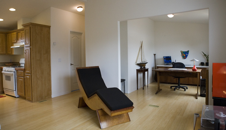 MobileHome-livingroom.jpg