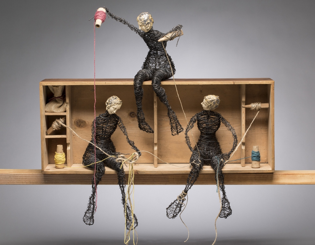 Three Figures, Weaving