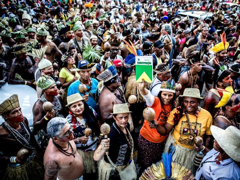 Amazon Watch kommer, tillsammans med alla våra allierade, att fortsätta kämpa för urfolkens rättigheter och för regnskogens överlevnad oavsett vad Bolsonaro får för sig att göra. Foto: Leonardo Milano
