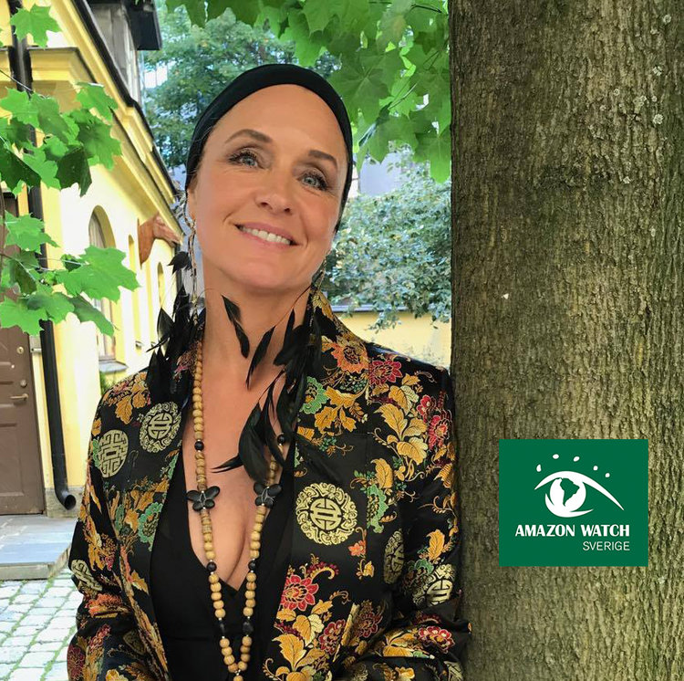 Regina Lund   Ambassadör för Amazon Watch. Skådespelare, konstnär, poet, sångare och författare.