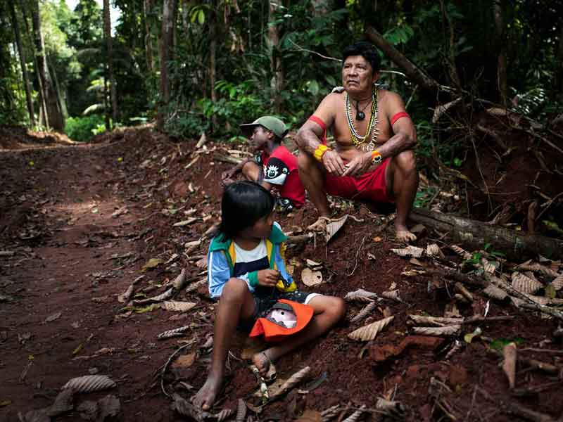 0801-as-the-brazilian-amazon-burns-indigenous-peoples-take-a-stand-03.jpg