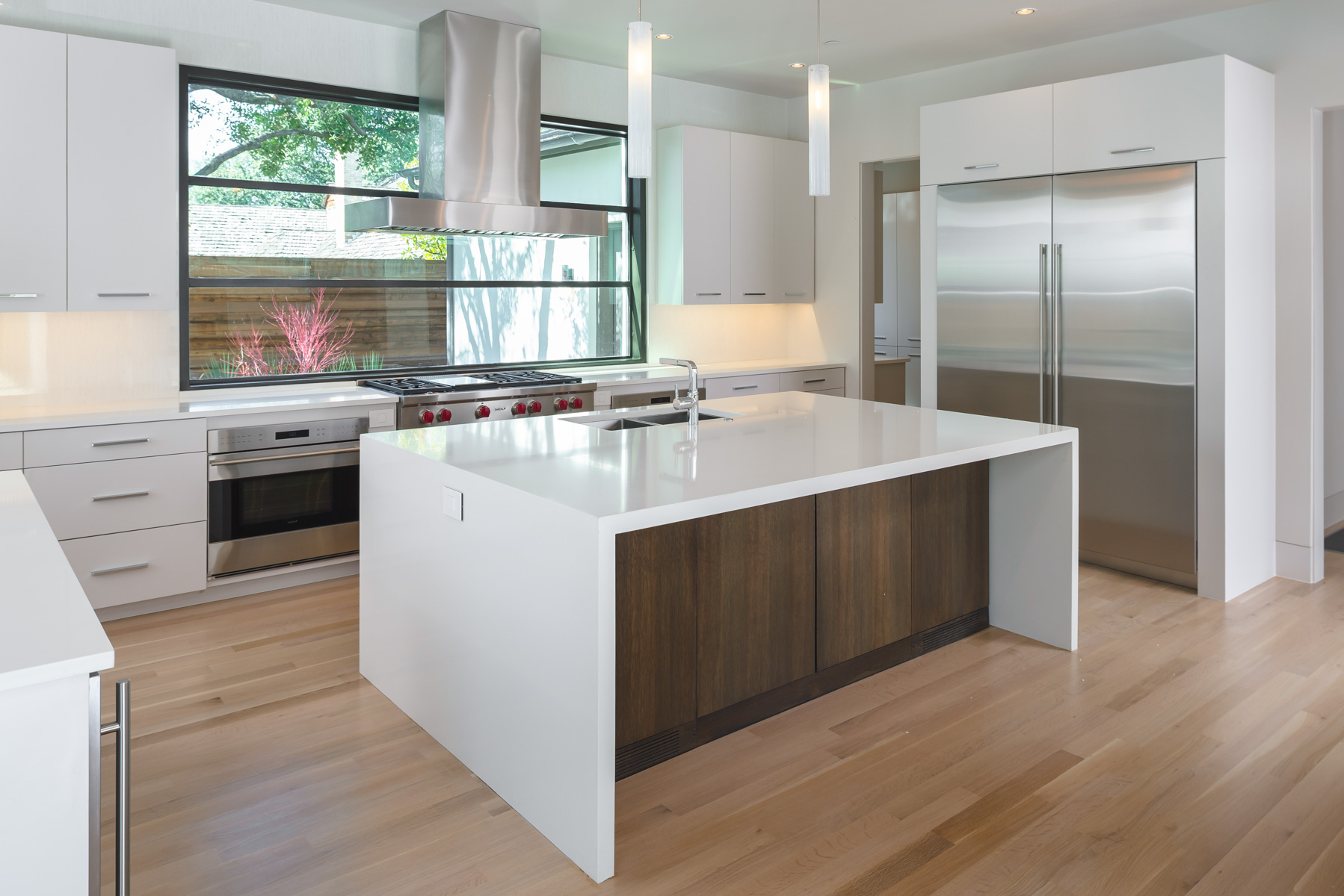 North Dallas Soft Contemporary Kitchen