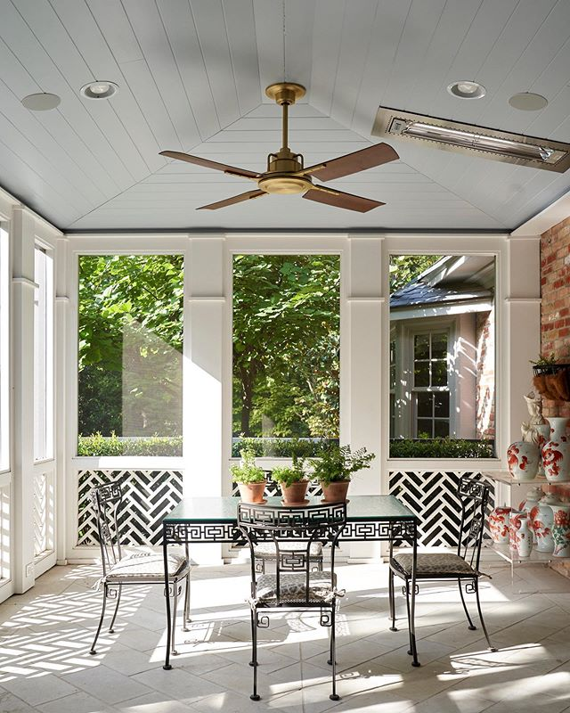 Summer to Fall. . . . . . #screenedporch #southernliving #homedesign #beautifulhome #architecture #timelessdesign #porch #interiordesign #outdoorliving #design #traditionalhome #gardens