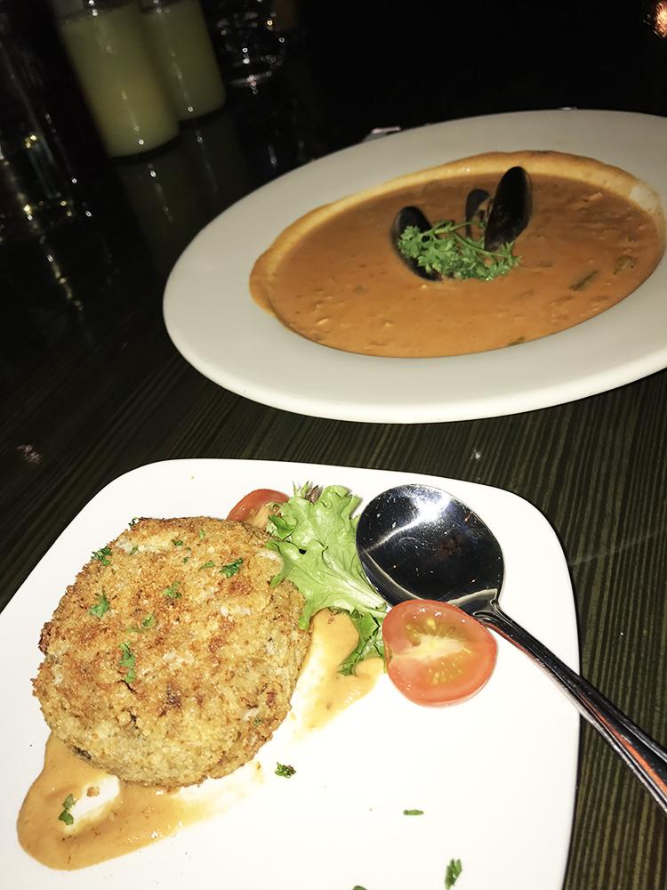 Jumbo Crab Cake & Seafood Chowder