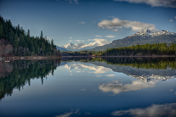 In the Mirror of Daisy Lake