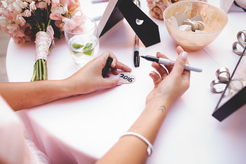 2016 wedding hands