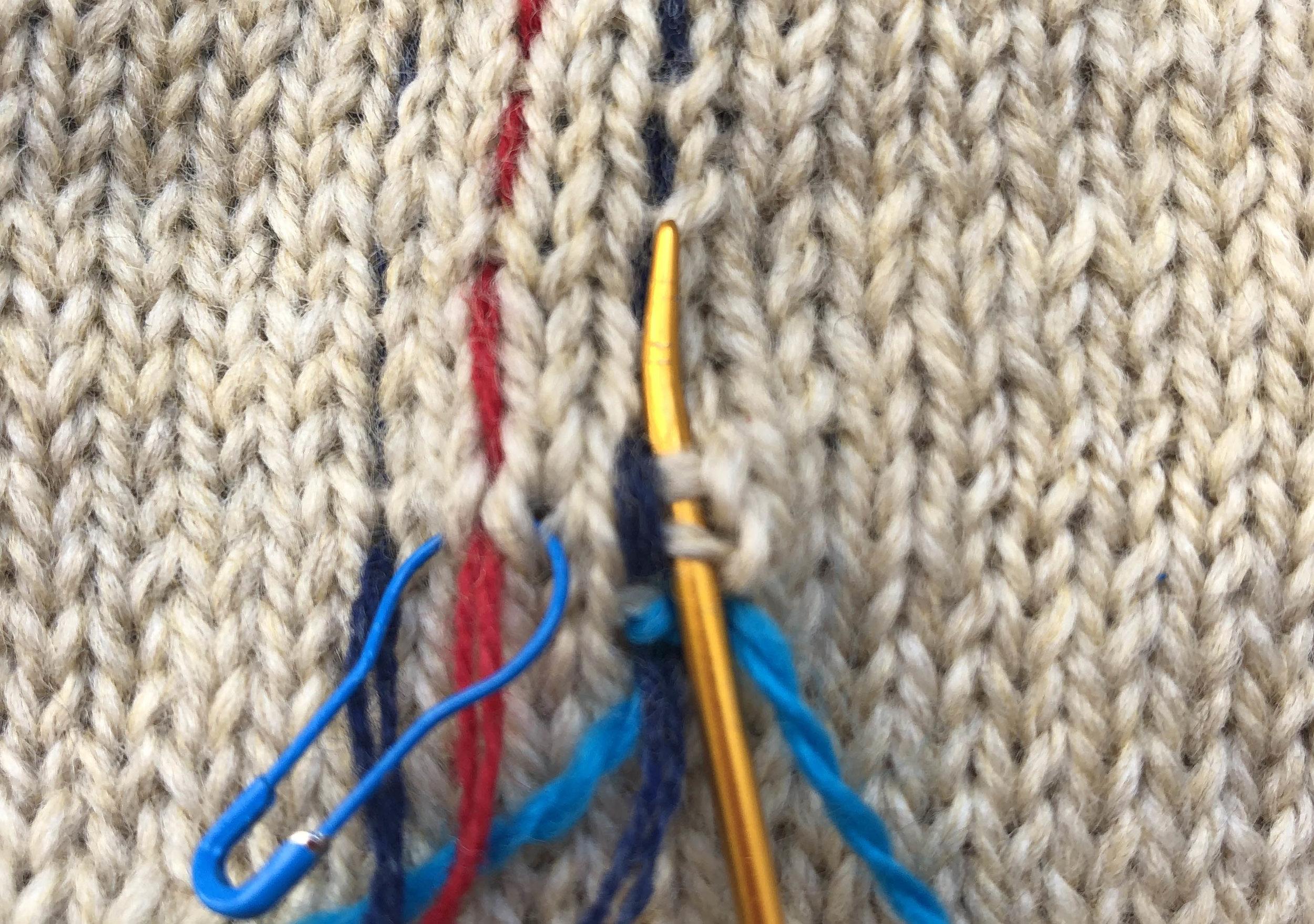 merele back stitch steek 4.jpg