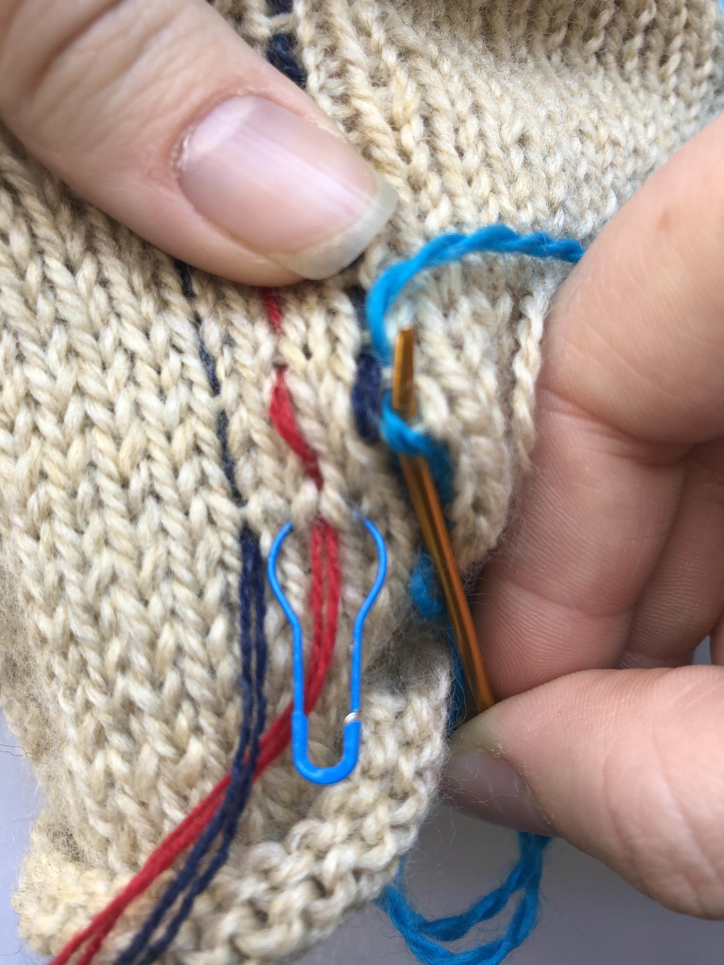 merele back stitch steek 7.jpg