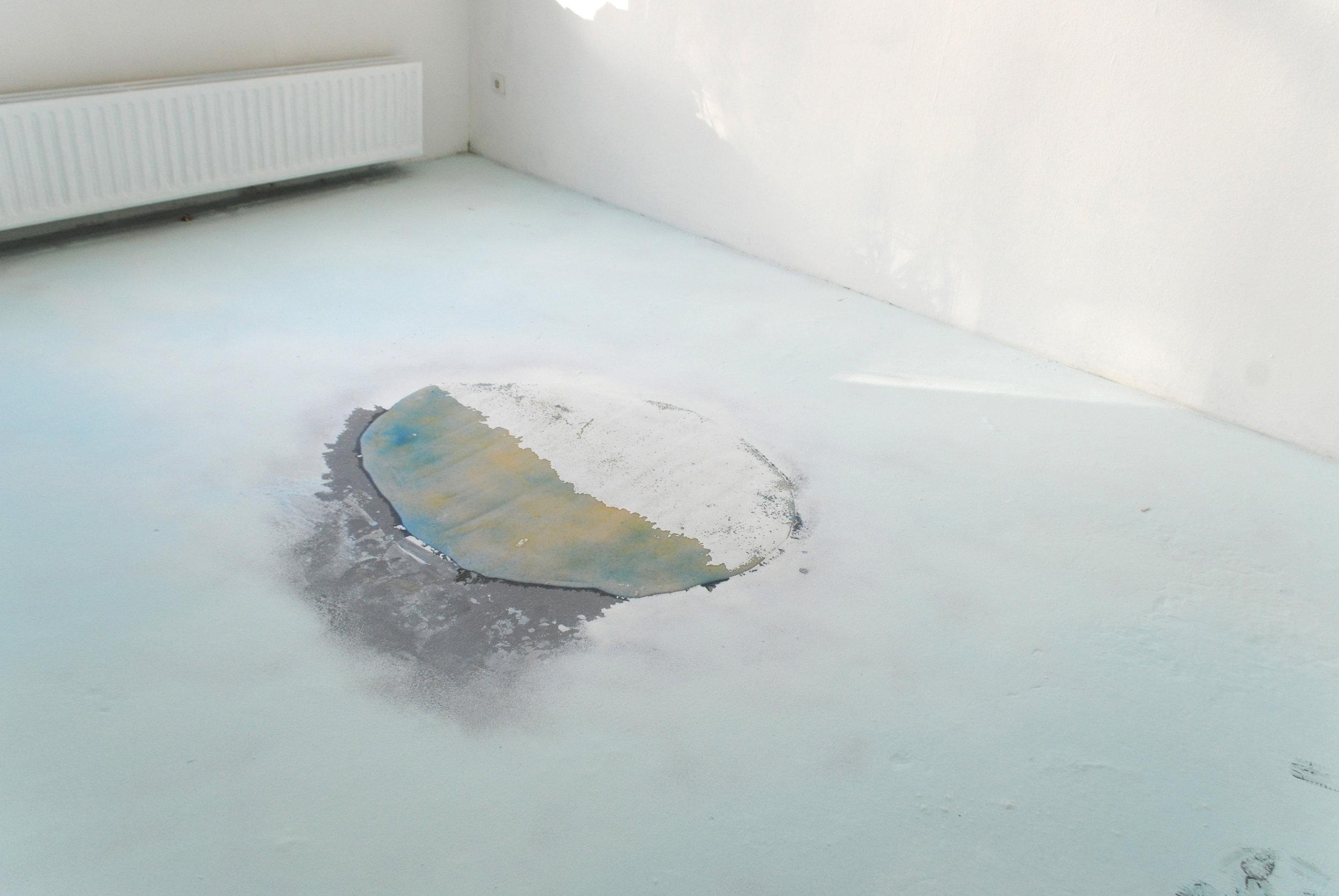 Soap-powder - Soap, fluor, pigments, 400 x 300 cm, De hemel bevolken, Kunstpodium T, Tilburg, 2014