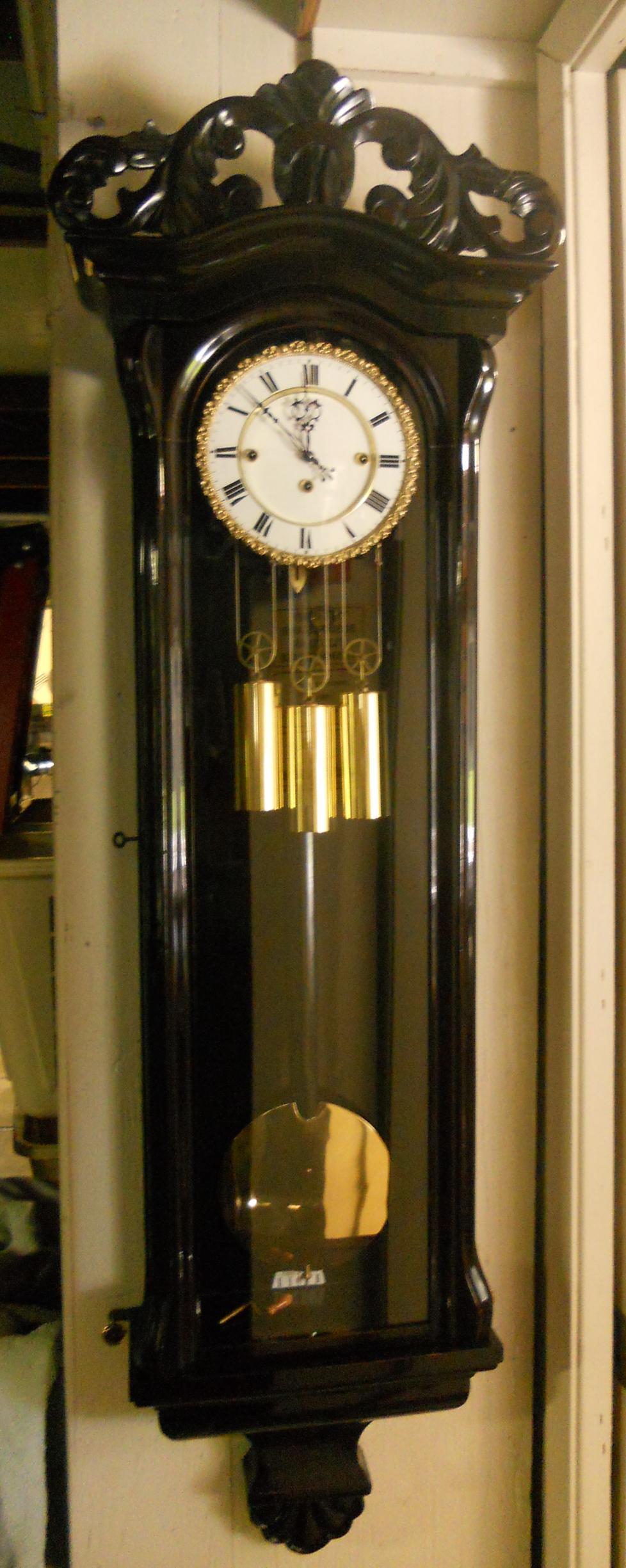 Clock01s.JPG