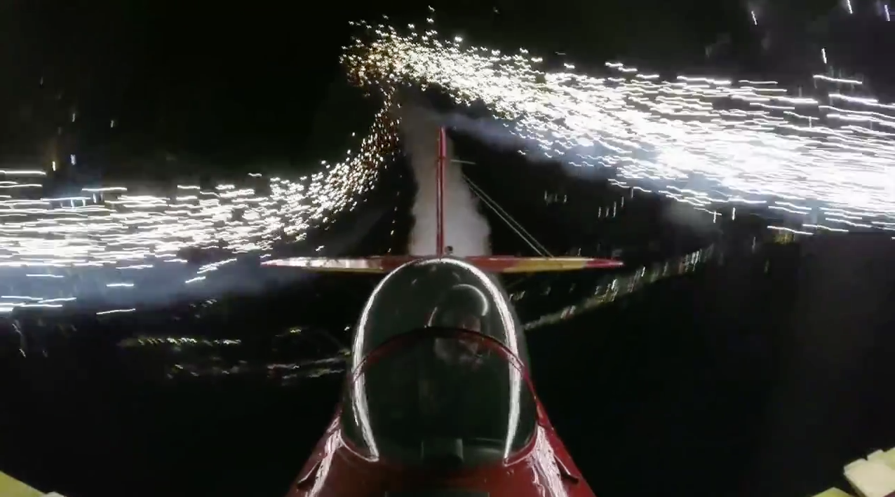 Round and round. (image credit:  EAA on YouTube )