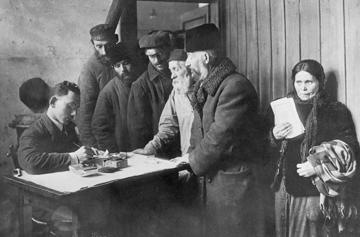 Information office of the Hebrew Immigrant Aid Society. Warsaw, 1921