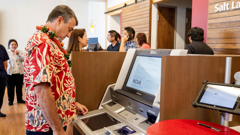 Hawaii_State_Federal_Credit_Union_Grand_Opening_03.png