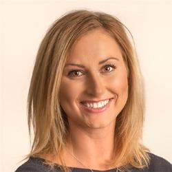 Lindsay Bio Pic.jpg