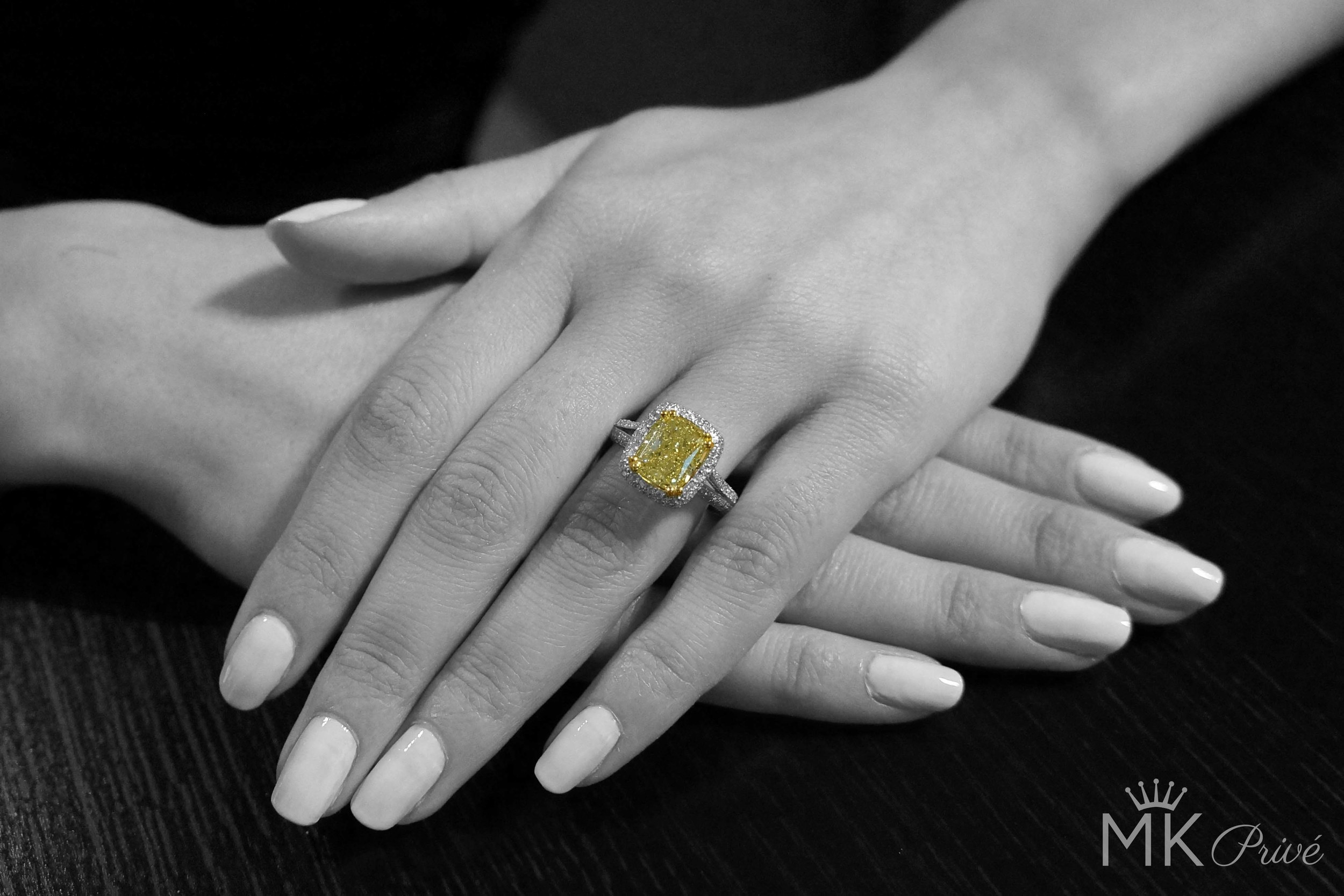 Pear-Shaped-Engagement-Ring-12.jpg