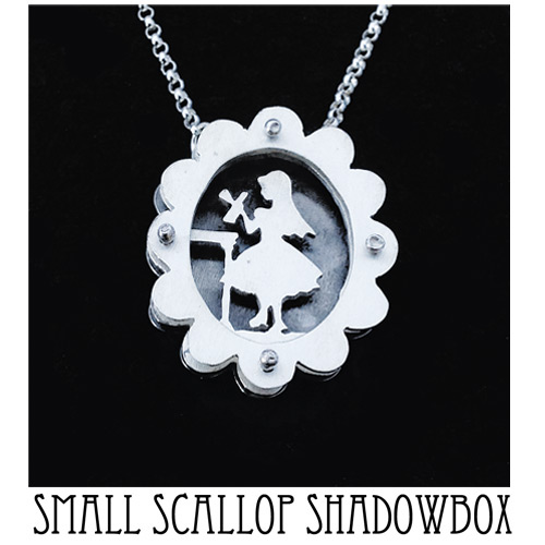 Small scallop shadowbox