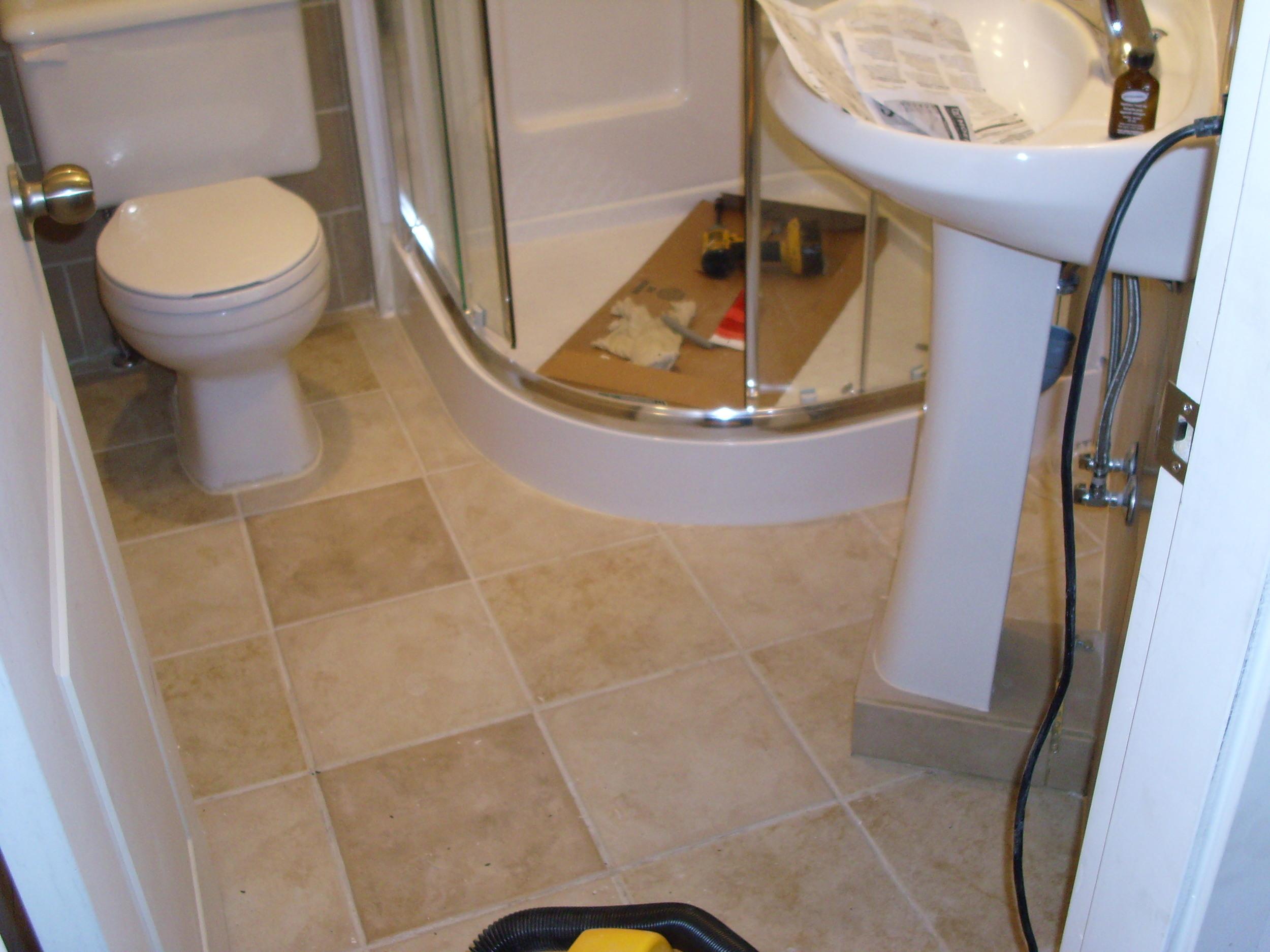 small bathroom 3.JPG
