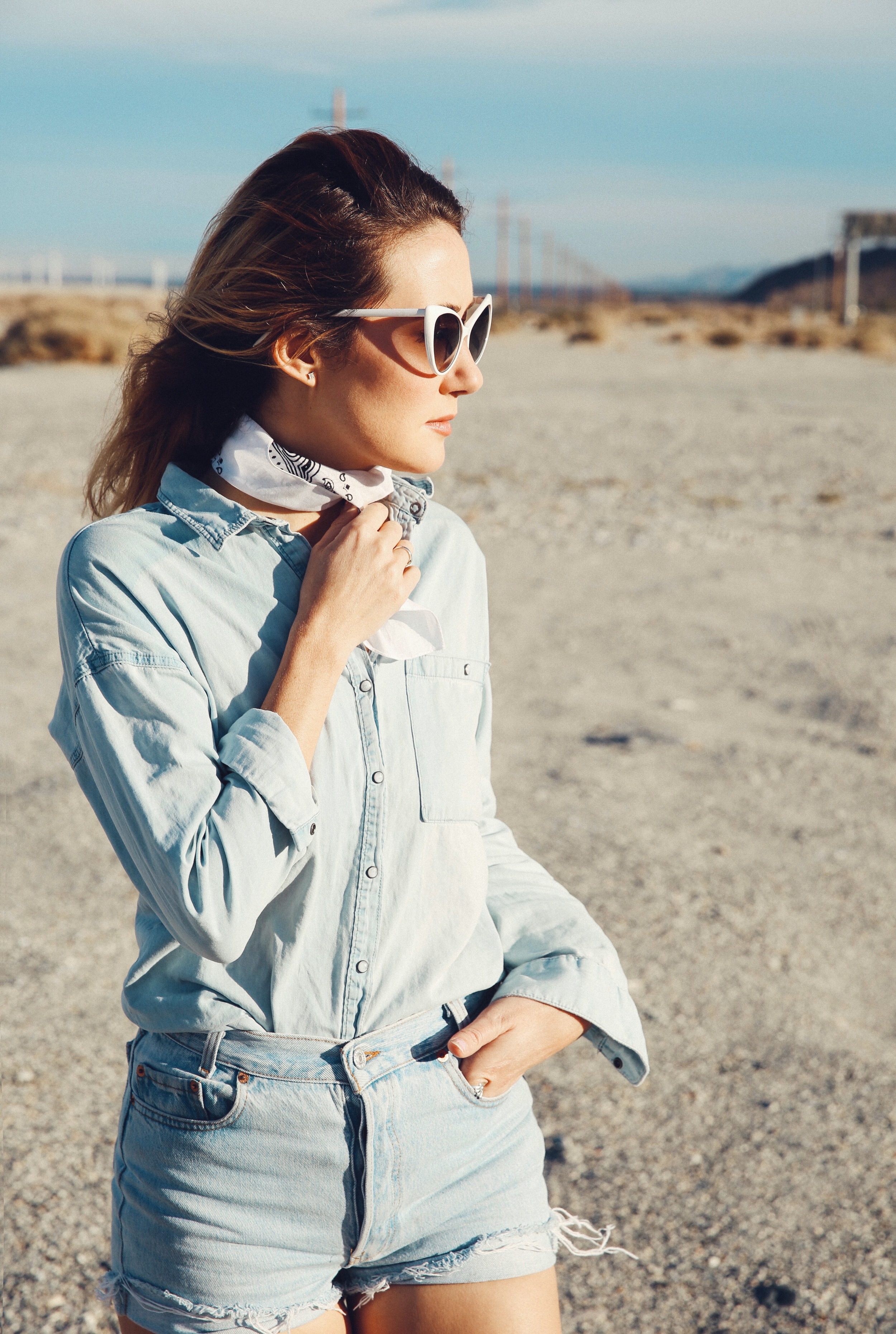 On our way out of town we had to pull over and take a few photos for the quintessential roadside shot. Here I'm channeling another time in denim on denim, a white bandana,and cat eye sunglasses