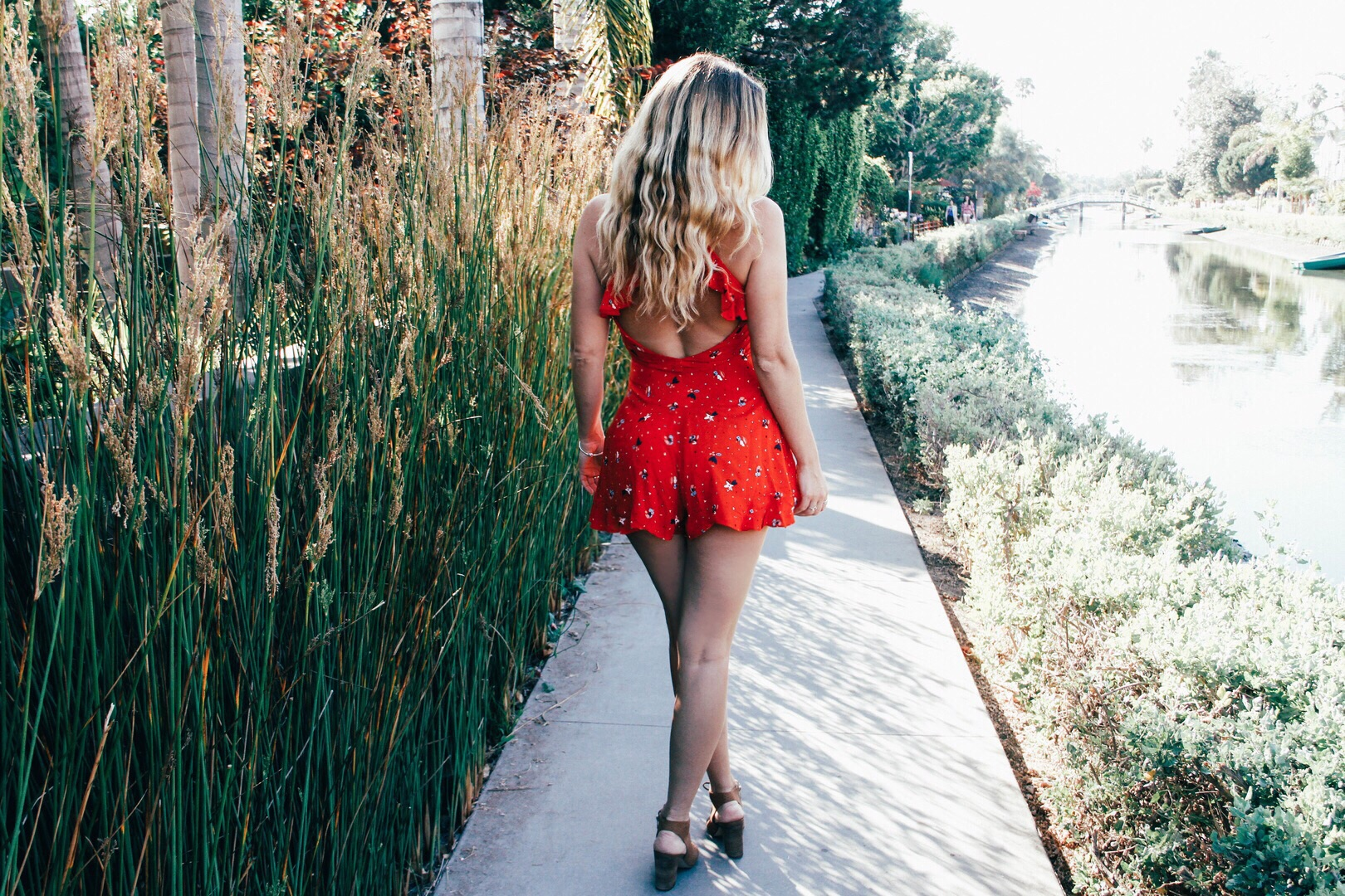The Style Sauce// Genevieve Liebscher urban outfitters red romper street style Venice Beach