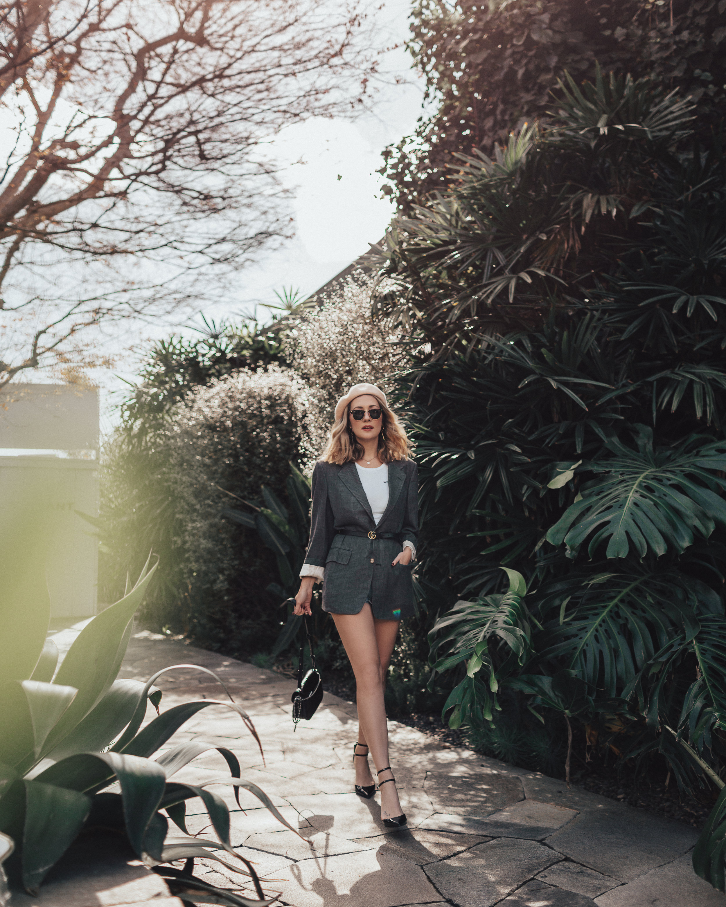 Fashion blog // Street Style // Melrose Place // How to style a blazer // The Style Sauce // #styleideas #streetstyle #blazer