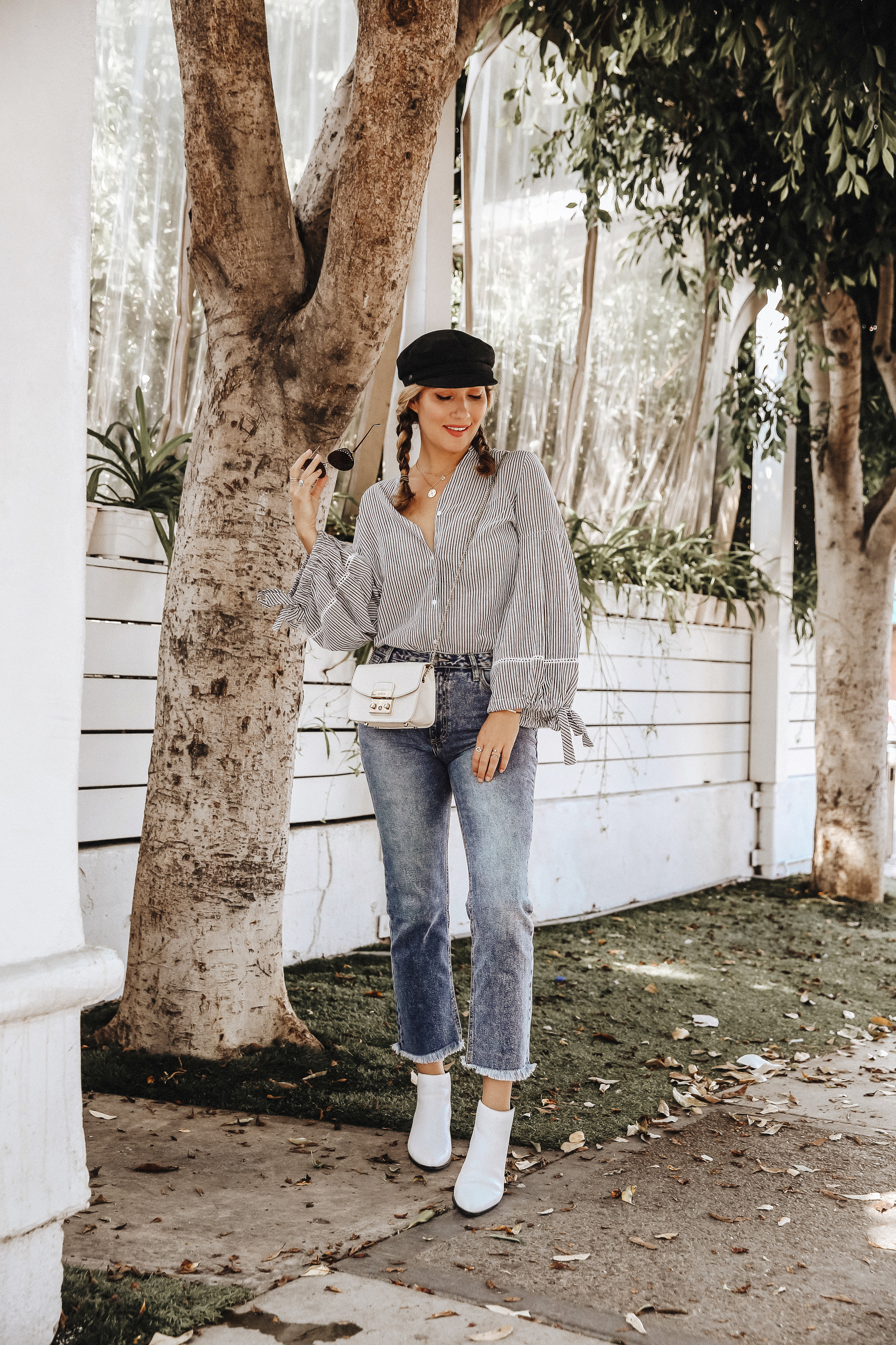 The Style Sauce // peasant blouse // Street Style // Fashion blogger // Women's style ideas