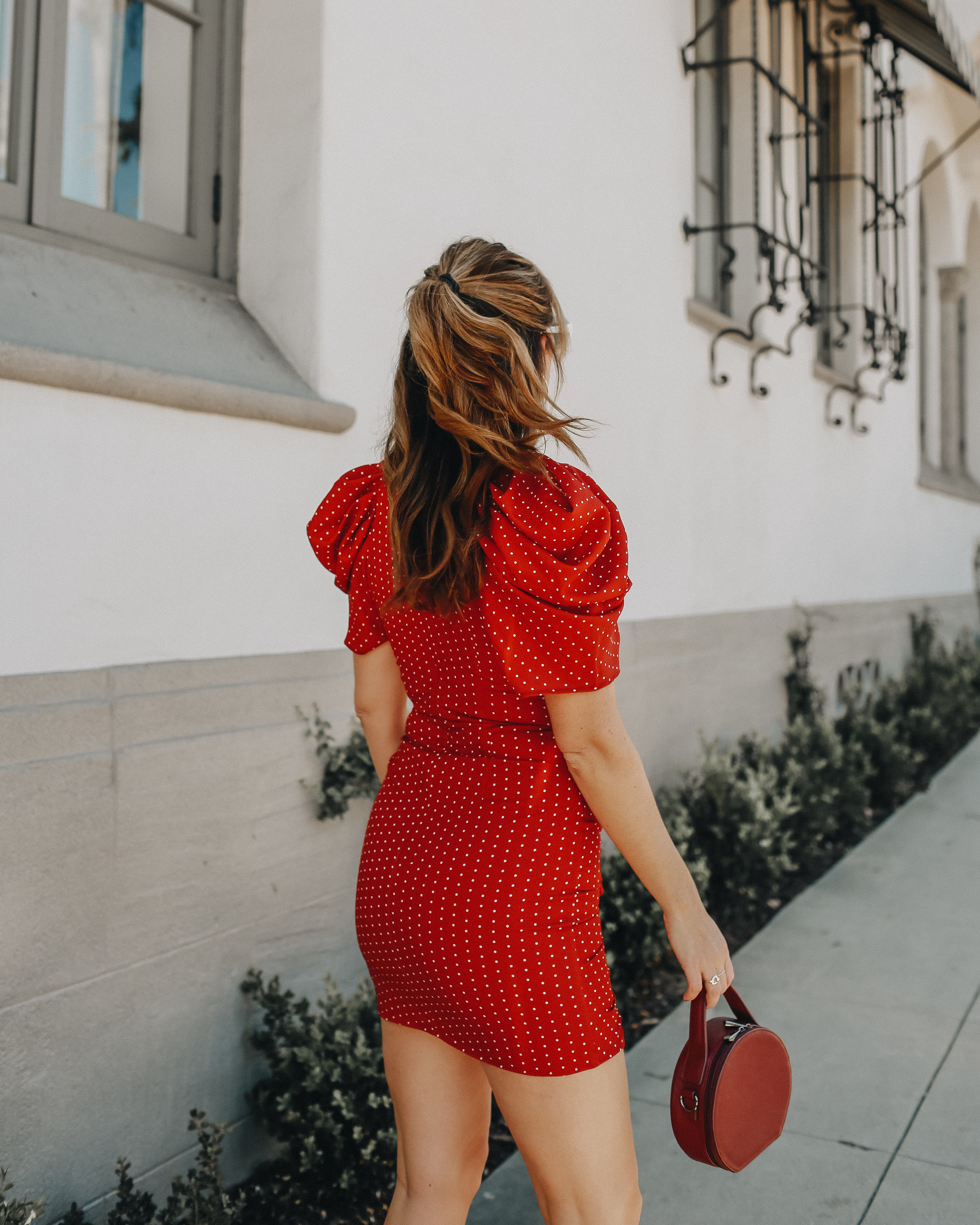 The Style Sauce // Valentine's day outfit ideas // Style blogger red dress