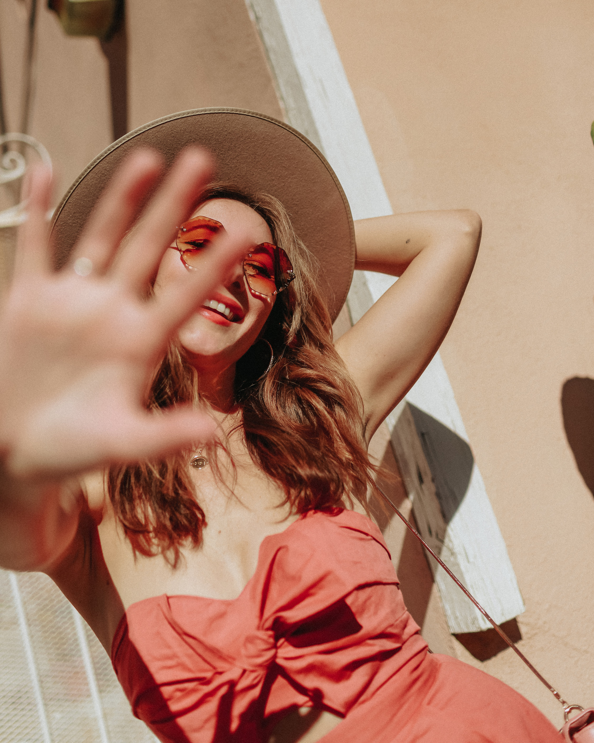The Style Sauce fahion blog // Pantone Color of the year 2019 living coral // Women's Style ideas