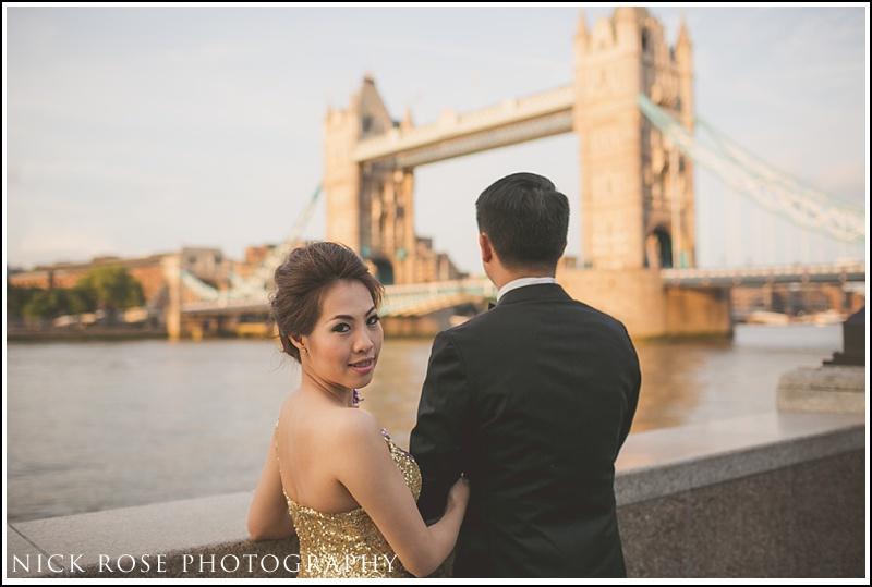 Central London pre wedding photographer