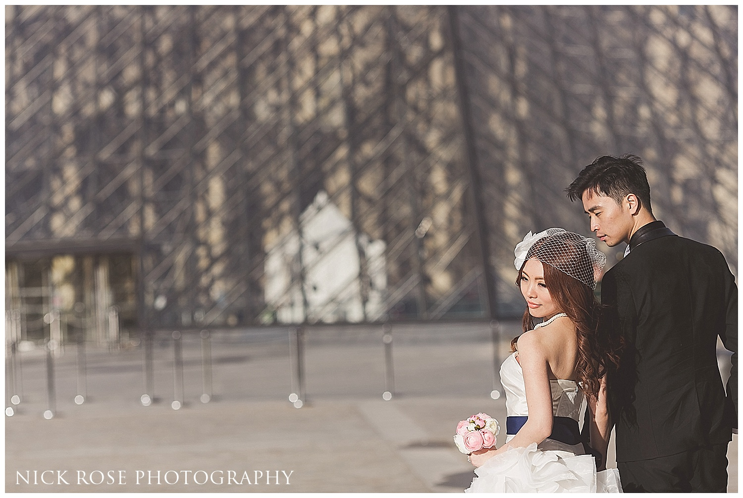 Paris pre wedding photographer