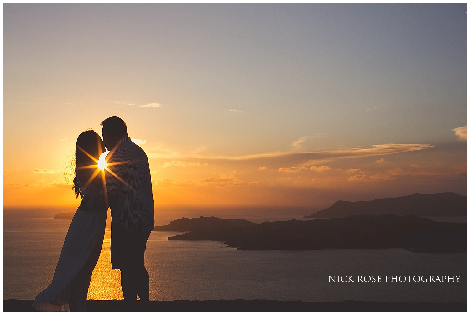 Pre wedding photographer Santorini
